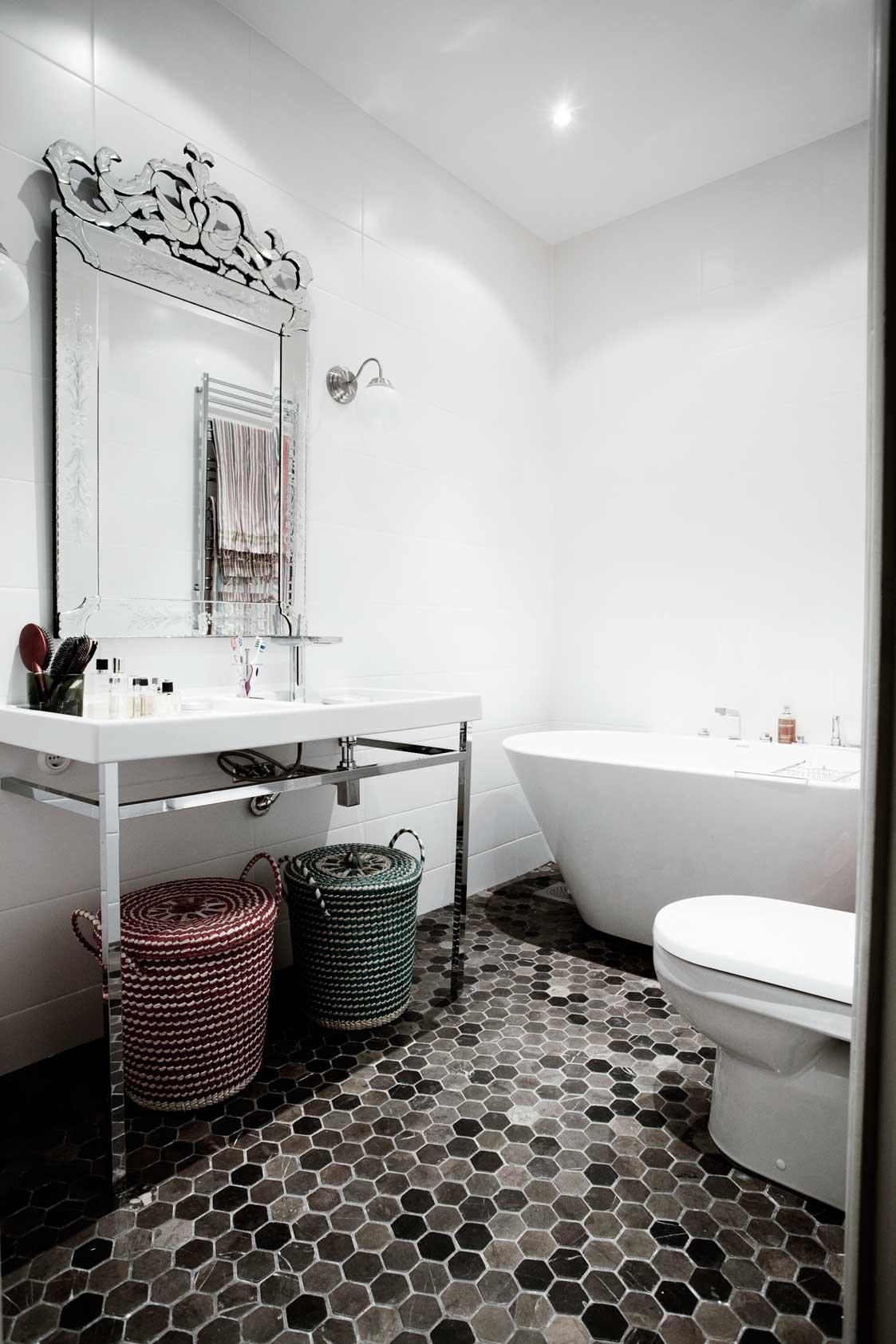 Inspiration Speglar – Inspiration Inredning #5C4C48 1123x1685 Banheiro Com Pastilha No Chao